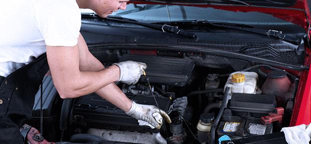 Serviços de manutenção e reparo para revisão de carros na concessionária Chevrolet Assisvel
