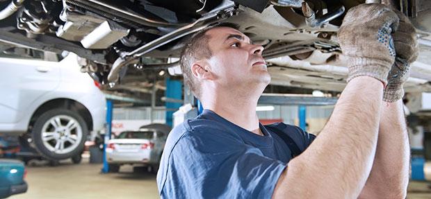 Serviços de manutenção e reparo para revisão de carros na concessionária Chevrolet Auto Mecânica