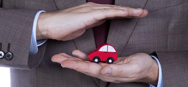 Carro com o Seguro Auto concessionária Chevrolet Auto Mecânica