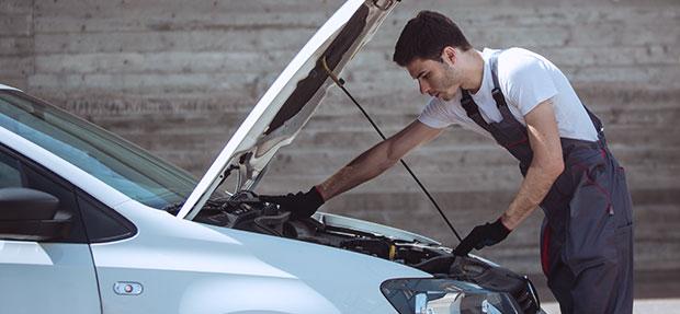 Serviços de manutenção e reparo para revisão de carros na concessionária Chevrolet Perkal