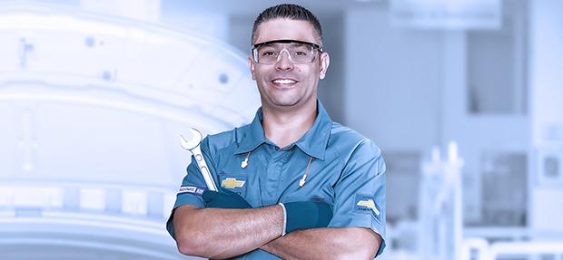 Serviços de manutenção e reparo para revisão de carros na concessionária Chevrolet Oeste
