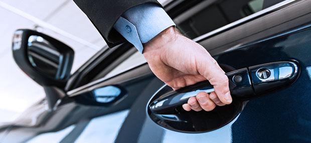 Comprar carro novo ou trocar seminovo consórcio de carros na concessionária Chevrolet Santa Clara