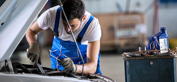 Serviços de manutenção e reparo para revisão de carros na concessionária Mover Chevrolet