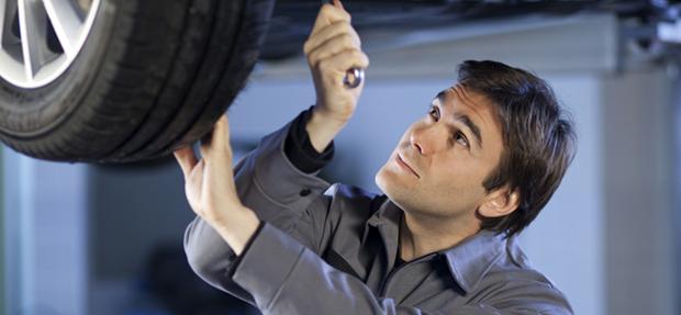 Serviços de manutenção e reparo para revisão de carros na concessionária Chevrolet Pinho