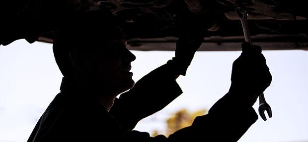 Serviços de manutenção e reparo para revisão de carros na concessionária Chevrolet Cipauto
