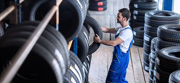 Serviços de manutenção e reparo para revisão de carros na concessionária Chevrolet Guará