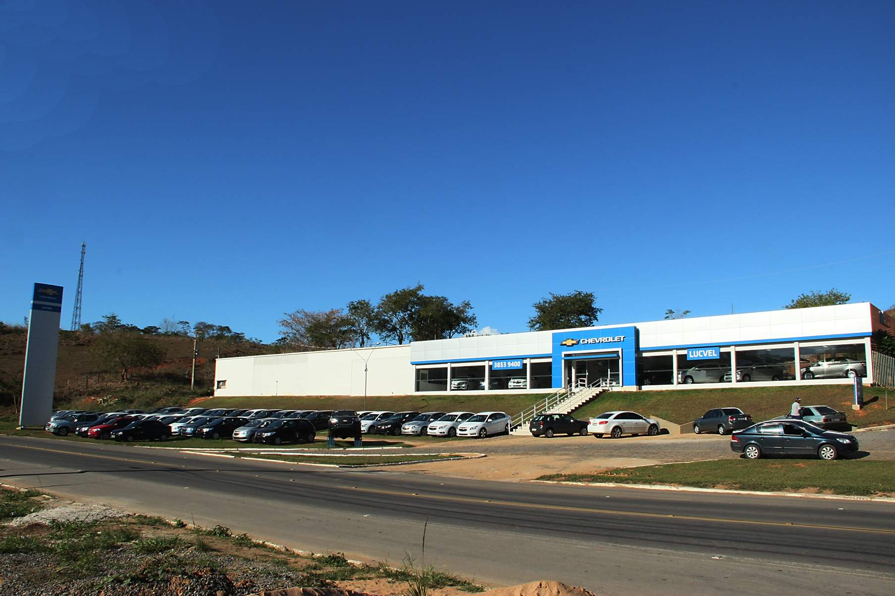 Fachada concessionária Chevrolet Lucvel Santo Antônio de Pádua