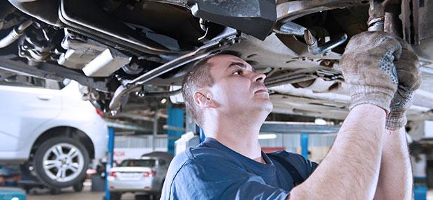 Serviços de manutenção e reparo para revisão de carros na concessionária Chevrolet Kolina